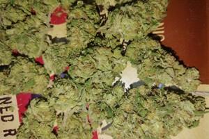 Larry OG Marijuana Strain image