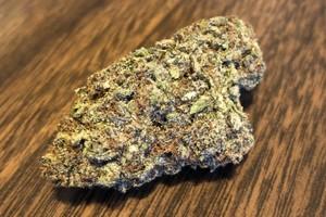 Space Queen Marijuana Strain image